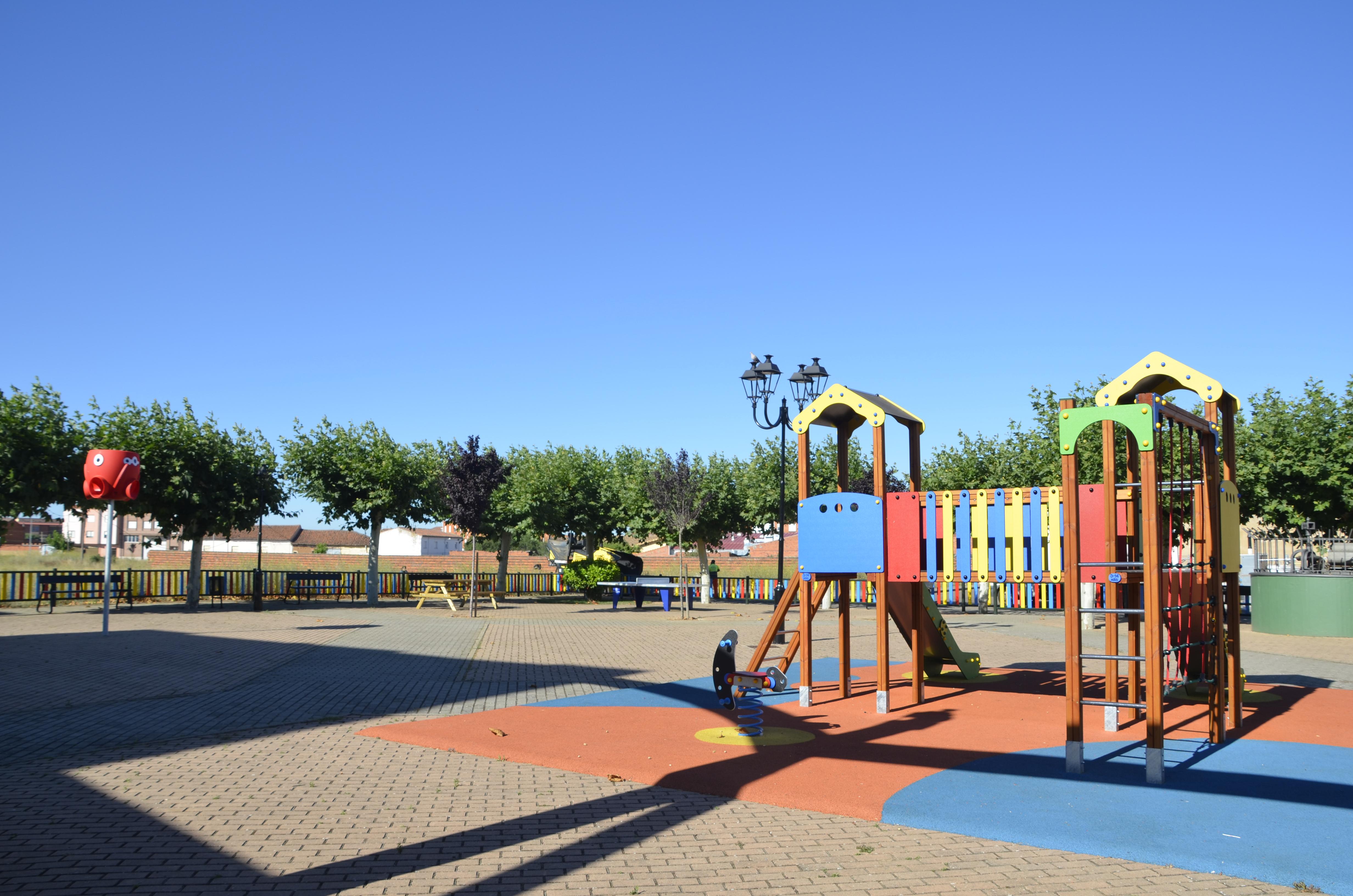 Parque Infantil-Plaza del Labrador II